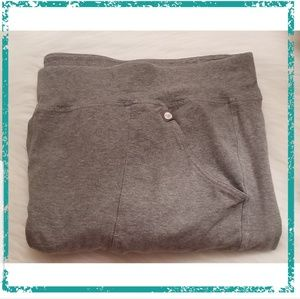 Livi Active/Lane Bryant Grey Cropped Capri